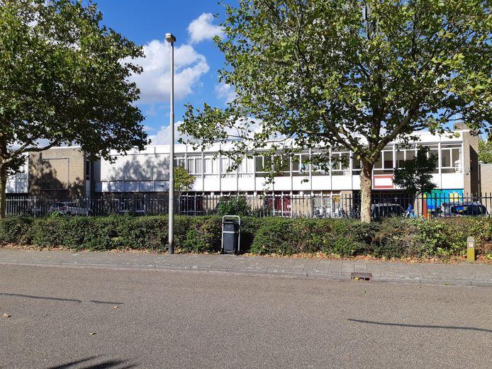 Het schoolgebouw in de Von Suppéstraat in Drunen.
