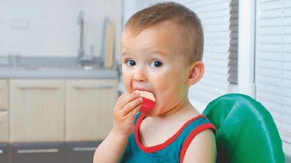 """Wéér peuter (2,5) gestikt in Babybel: """"Laat kinderen nooit eten en spelen"""""""