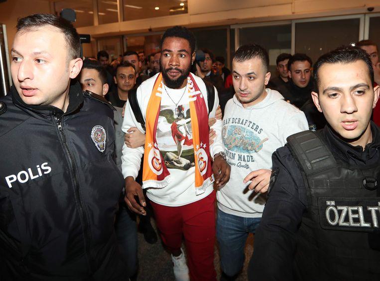 Luyindama op de luchthaven van Istanboel.