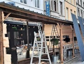 """Twintig winterterrassen dicht in Kortrijk, kerstmarkt geschrapt: """"Heel kwaad, iedereen wordt getroffen"""""""