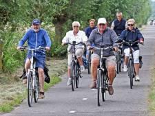 Kijk niet raar op van grote stroom fietsers:  Route 55 is gestart in Zeeuws-Vlaanderen