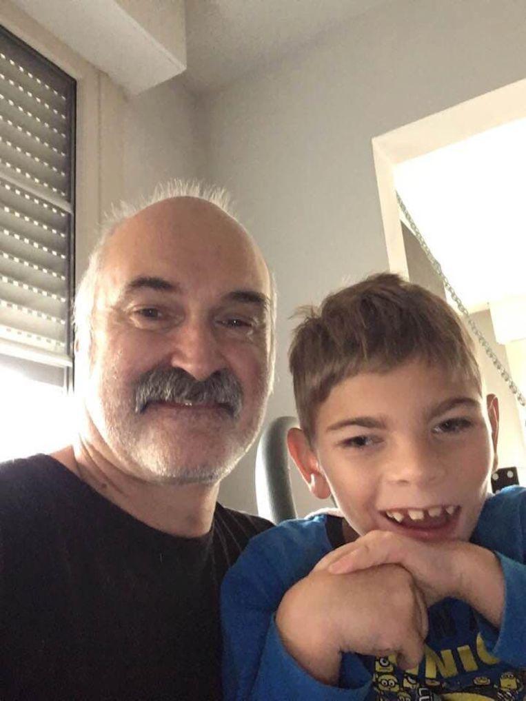 Geluidstechnicus Marec met kleinzoon Lou (9)