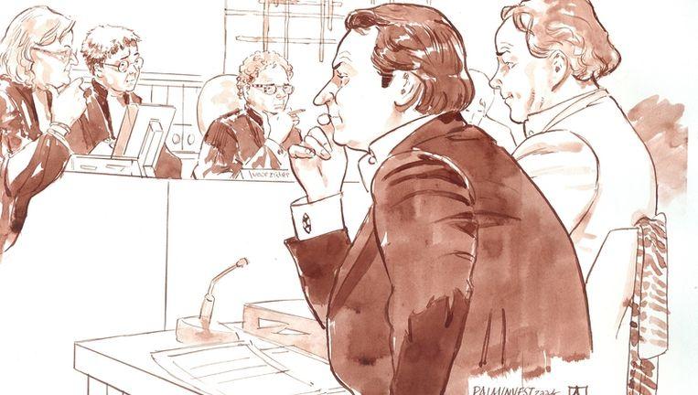 Officier van justitie Van Dis, officie van justitie Drogt, voorzitter Marcus en oprichters Danny K. en Remco V. (VLNR) van vastgoedfonds Palm Invest maandag tijdens de rechtszaak in Amsterdam. Het Openbaar Ministerie (OM) verdenkt K. en V. ervan tussen 2005 en januari 2008 een grote groep beleggers te hebben opgelicht. Foto ANP Beeld