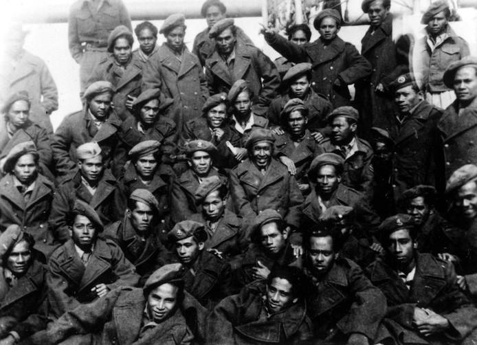 Een groepsfoto van KNIL-militairen, genomen in het voorjaar van 1951.