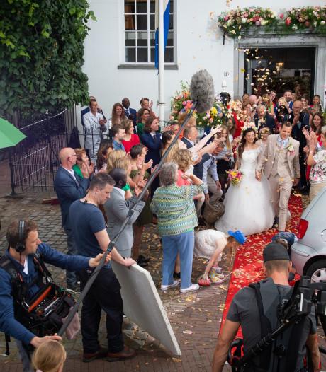 Honderden bloemstukken, zeventig figuranten, vijf acteurs en één Wit Kerkje in Terheijden