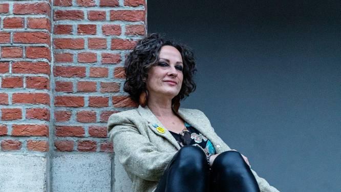 Nikkie Van Lierop en William Van Vooren signeren in 't Oneindige Verhaal