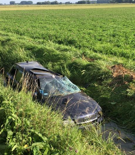 Bestuurder spoorloos na flinke crash op Koekoekweg bij Drimmelen