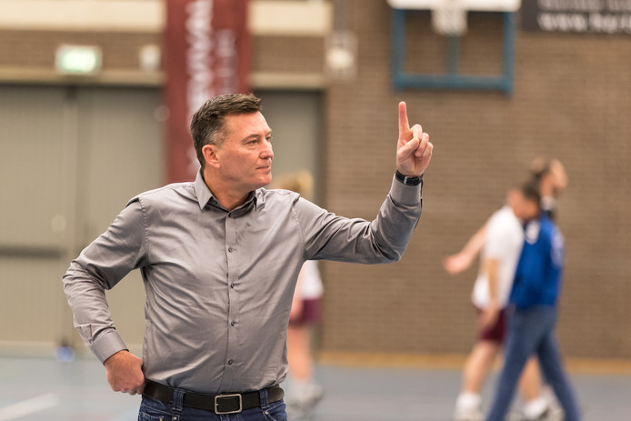 Jan Tonny Visser vertrekt bij KV Apeldoorn.