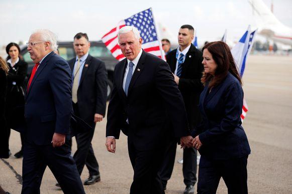 Mike Pence en zijn vrouw Karen bij aankomst in Israël voor de vijfde Wereld Holocaust Forum in Tel Aviv Israël.