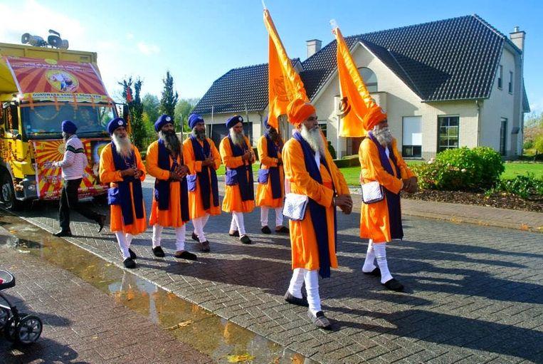 De stoet start vanaf 12u.00 aan de tempel in Halmaal