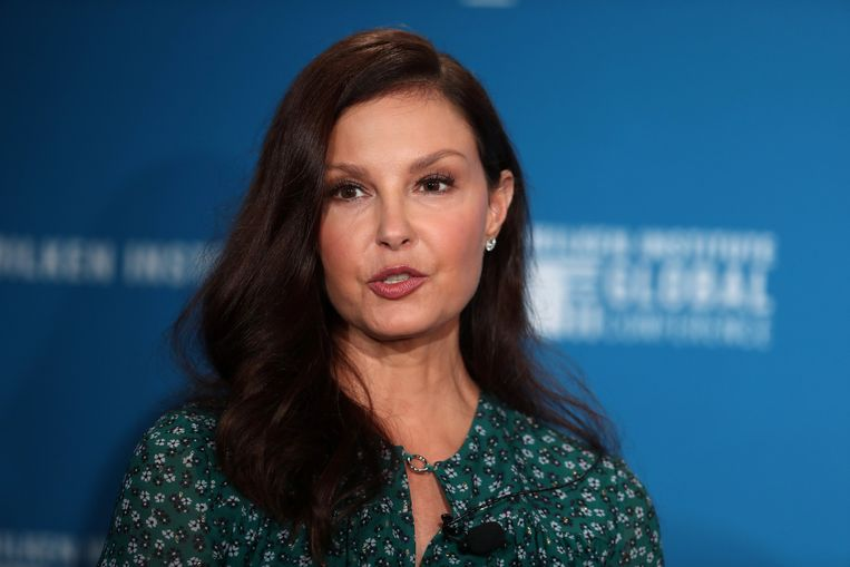 Actrice Ashley Judd klaagt Harvey Weinstein aan.