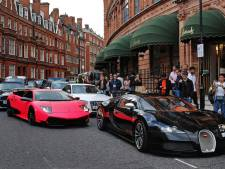 Flitscamera's gaan automatisch lawaaiige sportwagens bekeuren