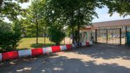 """Koksijds burgemeester krijgt tegenwind na lockdown asielcentrum, maar blijft bij standpunt: """"Met 2.000 tachtigplussers in gemeente neem je geen risico's"""""""