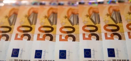 Verzorgster berooft hoogbejaarde vrouw (94) van haar geld