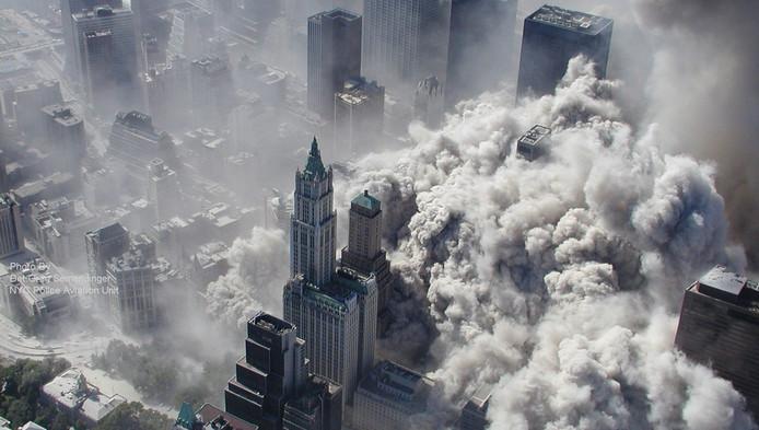 De ravage vlak na het instorten van de torens van het WTC in 2001.