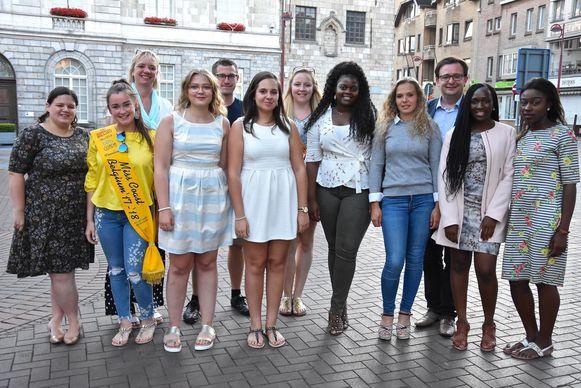 De kandidaten, de leden van de werkgroep en een paar stadsbestuurders.
