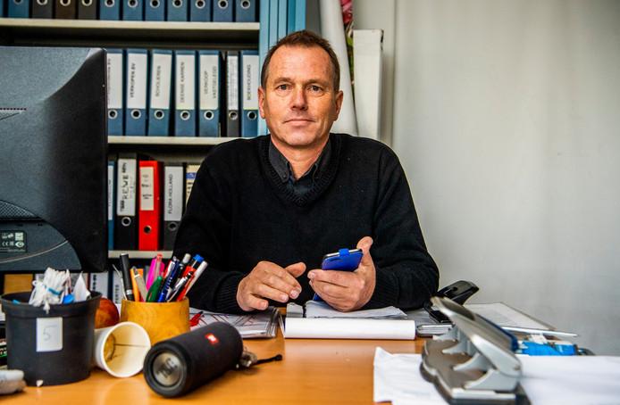 Peter Bontekoe (57) heeft zich na de afsluiting van de hefbrug in Boskoop opgeworpen als een soort voorman voor de collectieve schadeclaims.