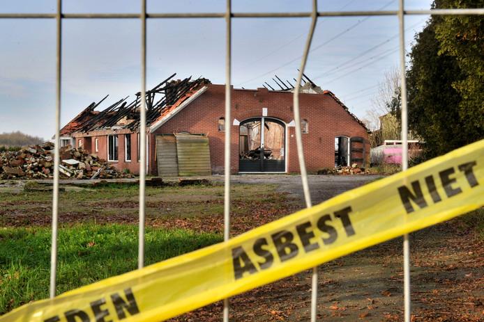 Asbestvezels kunnen levensgevaarlijke ziekten veroorzaken.
