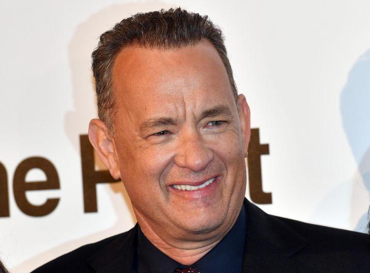 Bezoekers van de hamburgerketen In-N-Out Burger in Fontana (Californië) werden blij verrast toen Tom Hanks hun lunch betaalde.