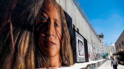 Twee Italiaanse kunstenaars uitgewezen wegens muurschildering van Palestijns meisje op Westoeverbarrière