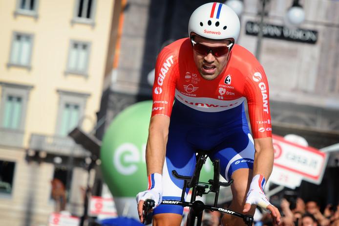 Tom Dumoulin tijdens de afsluitende tijdrit van de Giro d'Italia.