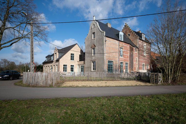 Het kasteel aan de Berentrodedreef stamt uit de 10de eeuw, maar werd in 2018 nog gerenoveerd.