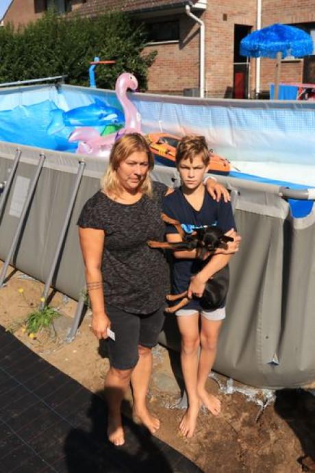 """Des vandales saccagent leur piscine: """"La goutte d'eau qui fait déborder le vase"""""""