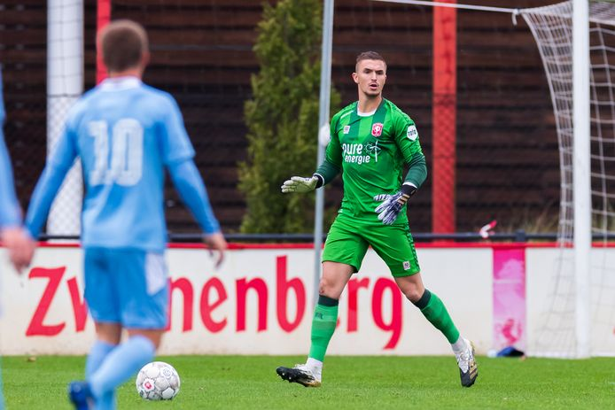 Jeffrey de Lange staat dinsdag tegen De Graafschap op doel bij FC Twente.