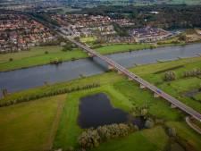 Rijnbrug dicht na ongeval op N233 in Rhenen