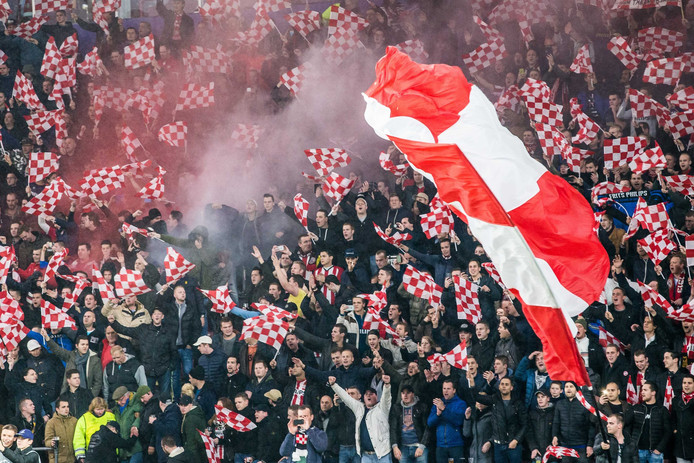 Supporters in het Philips Stadion