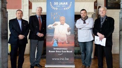 """Internationale Robert Stolzclub blaast 50 kaarsjes uit: """"Jubileumconcert niet katholiek genoeg voor Sint-Romboutskathedraal"""""""