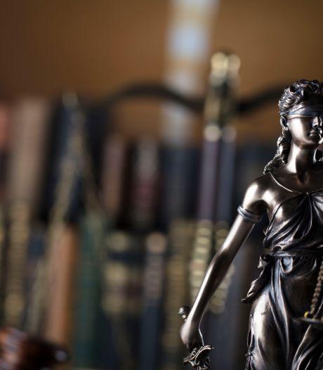 Justitie: 'Bredase vrouw werd jaren belaagd met beangstigende berichten'