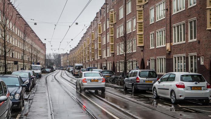 gemeente plaatst drempels in witte de withstraat | amsterdam | ad.nl
