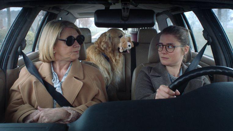 Katelijne Verbeke (links) en Kim Snauwaert in The Best Of Dorien B. Beeld