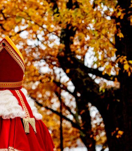 De premier heeft een verrassing en dan komt niet Hugo maar Sinterklaas