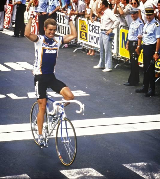 1987: Erik Breukink wint de Tour-etappe in Pau.
