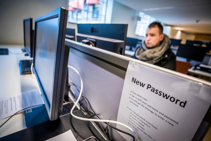 Het onderwijs aan Maastricht University werd na de kerstvakantie weer opgestart na een hack. Hoogstwaarschijnlijk heeft de universiteit losgeld betaald om weer toegang te krijgen tot versleutelde bestanden.
