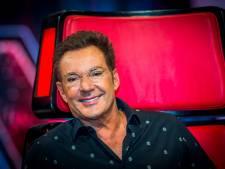 Gerard Joling maakt blunder in The Voice Senior: herkent Enschedese tekstschrijver Henny Thijssen niet