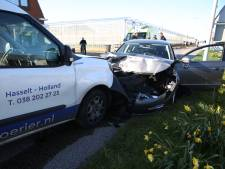 Automobilist krijgt black-out in auto en 'vliegt met vier wielen door de lucht'