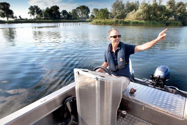 Ecoloog Bart Specken op het Ballastgat Beeld Maarten Hartman