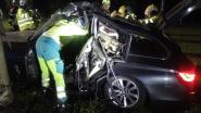 Bestuurder zwaargewond na klap tegen boom door overdreven snelheid en drugs