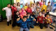 Kinderen in pyjama naar school ten voordele van 'Bednet'