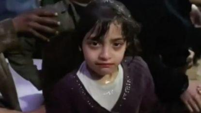 """""""We ademden geur in van bloed"""": Masa (7) overleefde vermeende gifgasaanval in Douma en vertelt wat precies gebeurde"""