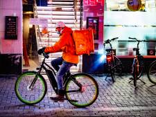 Maaltijdbezorgers in Deventer opgelicht door 'coronabetaling' met vals briefje van 50 euro