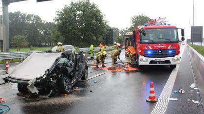 Regenweer zorgt hele voormiddag voor ongevallen op E314 en E313 in Limburg