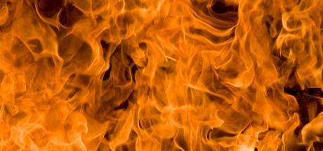 Voormalige Vredeveldschool in Assen gaat in vlammen op, betrokkenen vermoeden brandstichting