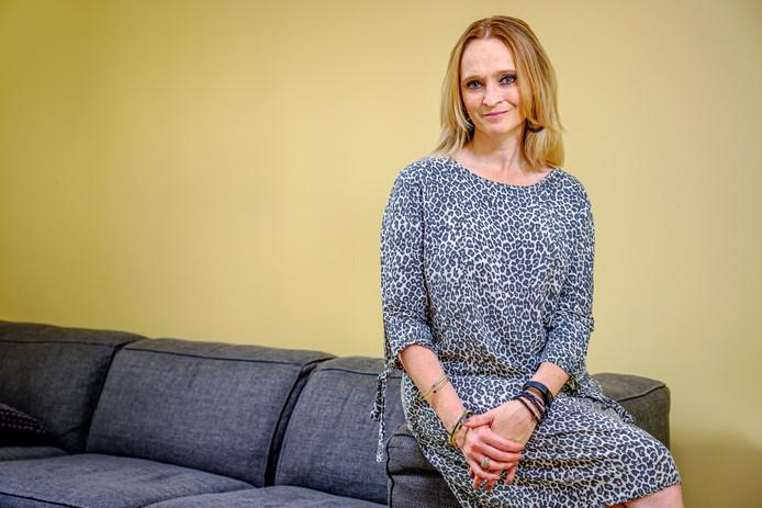 Bij Ragna van Hummel is 14 jaar geleden tijdens haar zwangerschap borstkanker geconstateerd - mogelijk gerelateerd aan het gen BRCA2
