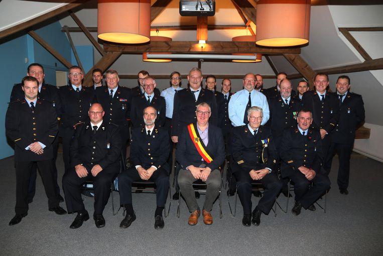 Burgemeester Evrard bij zijn brandweerkorps.