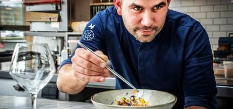 Rock-'n-roll in de keuken van chefkok Koos de Wolf: 'Dat zweverige koken, lalala, daar hou ik niet van'