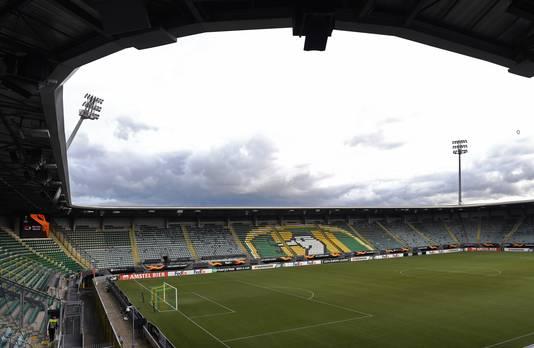 Het decor: het stadion van ADO Den Haag.